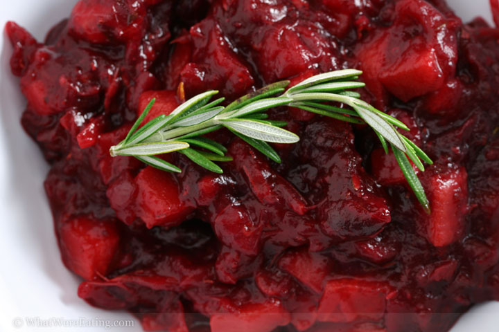 Cranberry sauce with rosemary and persimmon